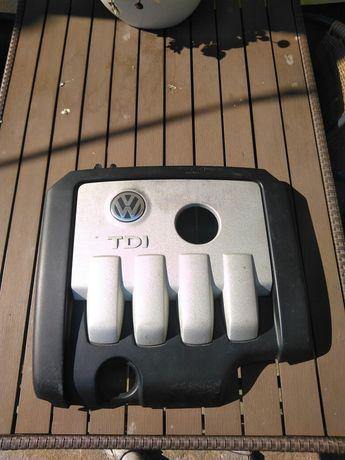 Pokrywa silnika 2.0 Tdi 140km Golf 5 V