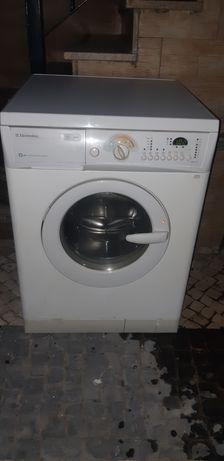 Máquina de lavarve secar Electrolux 5 kg
