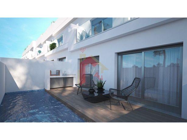 Moradia T3 c/ piscina, em Fuseta- Olhão,