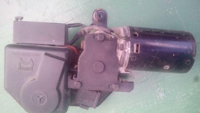 Мерседес 124 . ограничитель. задний стабилизатор .моторчик люка.