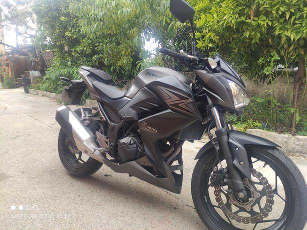 Moto Kawasaki Z300