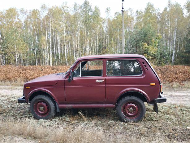 Авто ВАЗ Нива 1.7