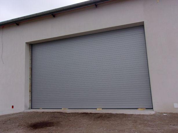 Brama segmentowa przemysłowa i garażowa.