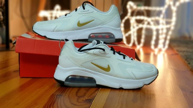 Кросівки Nike Air Max 200 AT6175-102 оригінал майже нові