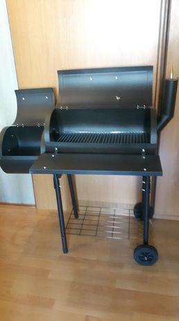 Sprzedam grill z wędzarnią - nowy, plus dodatki.