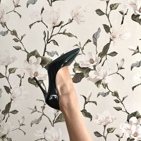 Туфли лодочки на каблуке черные изумрудные на шпильке закрытые