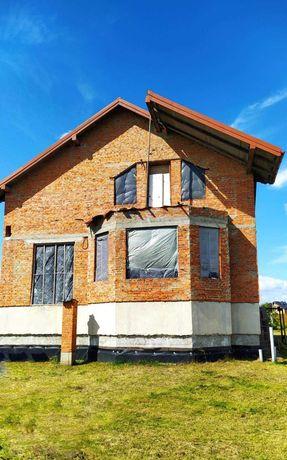 Продається будинок у с. Зубра.