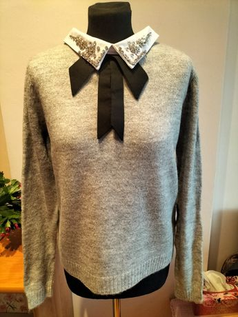 Sweter nowy wełniany z kołnierzykiem