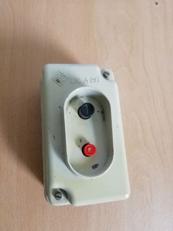 Interruptor disjuntor marca AEG