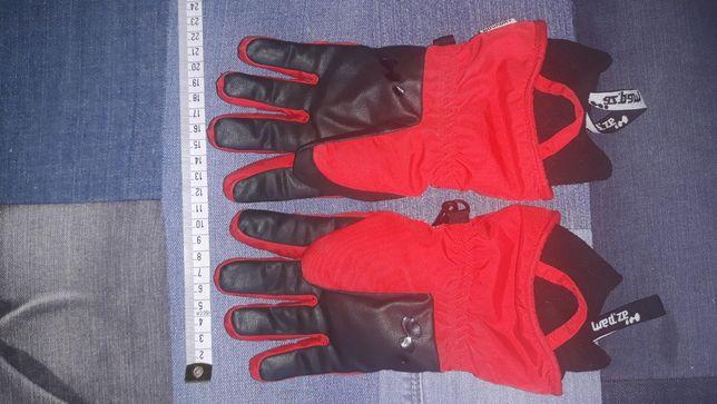Rękawiczki czerwone na sanki narty dla dziecka 6 lat