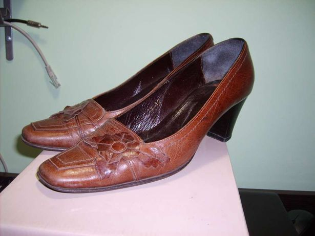 Женские кожаные туфли