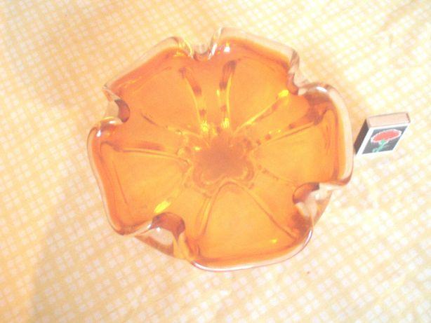 Ваза конфетница - чешское стекло.