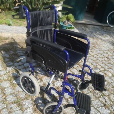 2 cadeiras de rodas