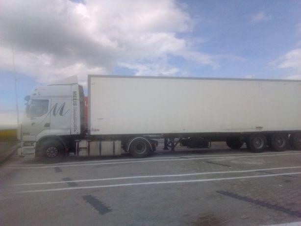вантажний автомобіль