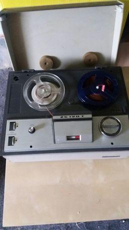 Magnetofon szpulowy Unitra