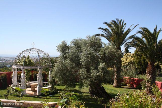 Fabulosa Moradia T6+3 com Vista panorâmica em Sintra