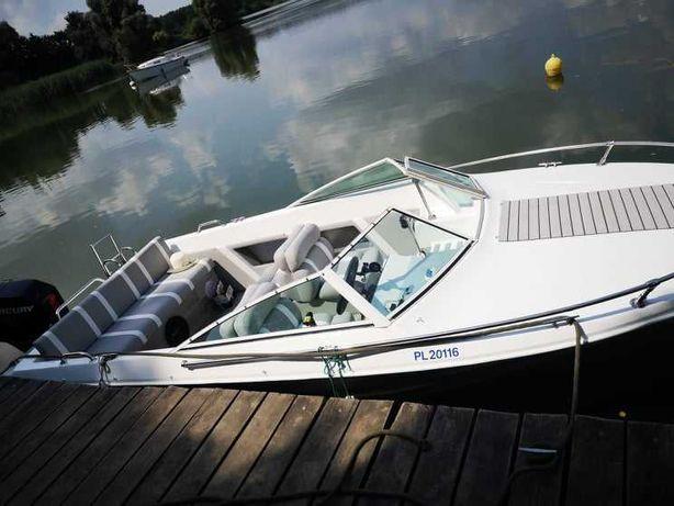 Jacht motorowy motorówka   CRUSADER 775 z silnikiem Merurego 90