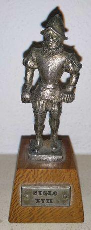 """Cavaleiro com armadura """"Siglo XVII"""""""
