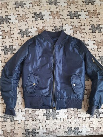 Демисезонная куртка бомбер 44-46 размер s-m
