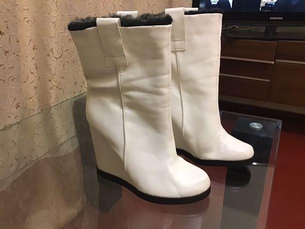 Продам б/у женские осенне- зимние сапожки-39 р