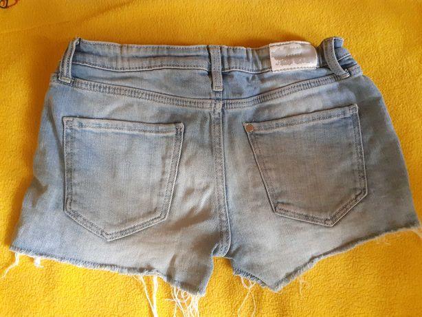 Джинсовые шорты для девочки 146р на 10-11 лет.