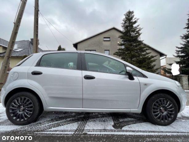 Fiat Punto Fiat Punto 2012 zadbany bezwypadkowy z kołami letnimi ASO