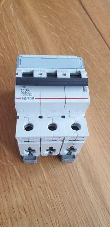 Wyłącznik instalacyjny LEGRAND C25 TX3
