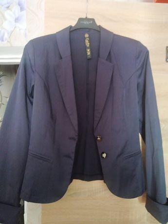 Пиджак женский размер 12 (42-44)