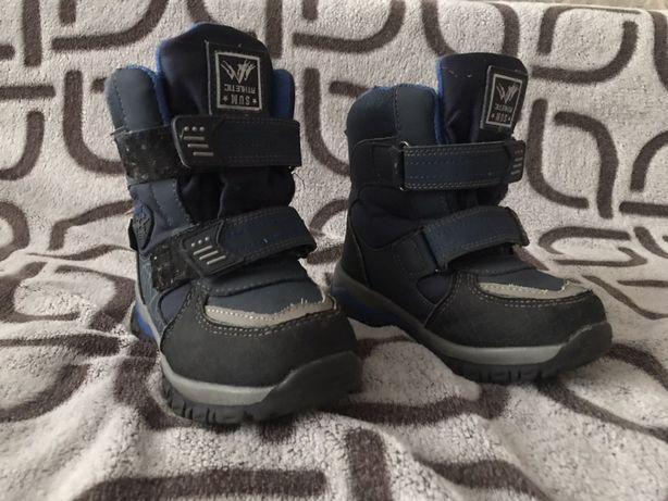 Зимове дитяче взуття
