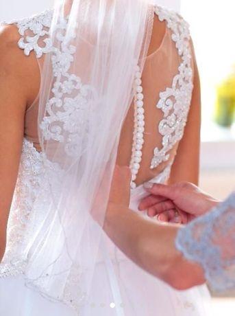 Piękna biała suknia ślubna princessa ręcznie zdobiona