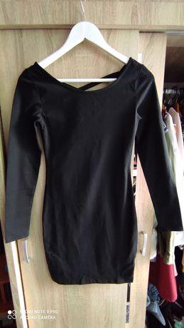 Czarna sukienka Sinsay S