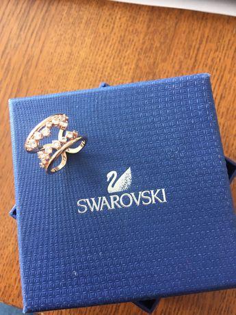 Swarovski pierscionek r.52