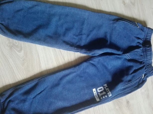 Spodnie dresy 128/134