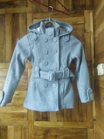 Пальто р.122-128 на 7-8 лет