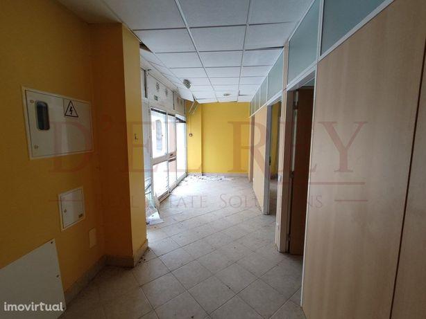 Loja 168 m2 em Povos - Vila Franca de Xira