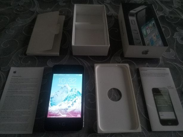 Apple iPhone 4 e 4S, como novos nas caixas