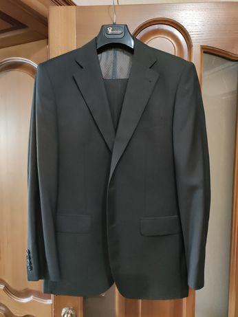 Продам костюм VORONIN