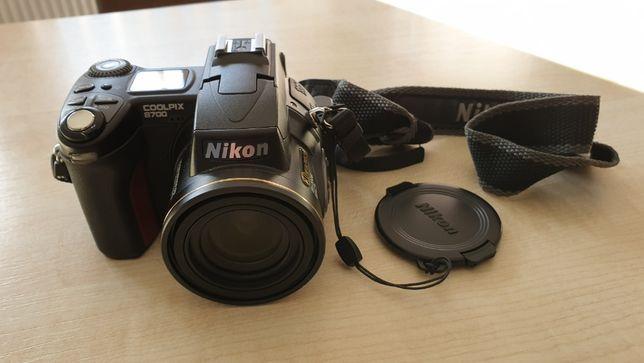 Aparat cyfrowy Nikon Coolpix 8700