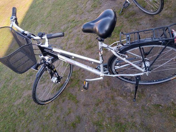 Rower aluminiowy 28 damka 8 biegow dynamo w piaście