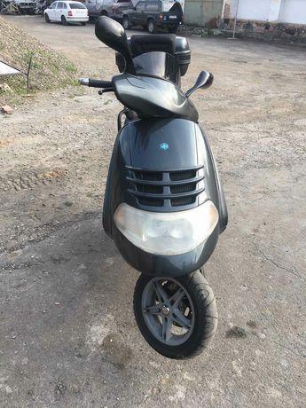 Піаджо гексагон 250