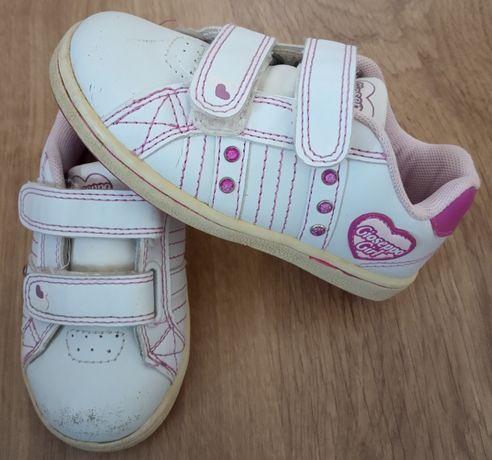 Sapatos - tamanho 25