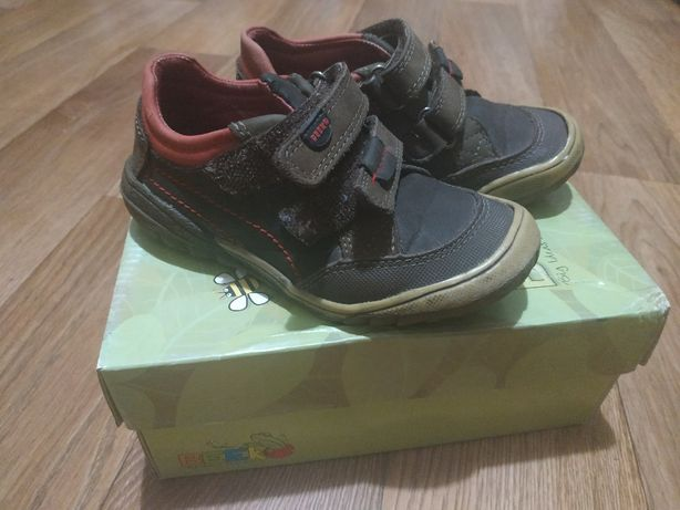 Продам после своего ребёнка туфельки-кроссовки фирмы BEEKO (Канада)