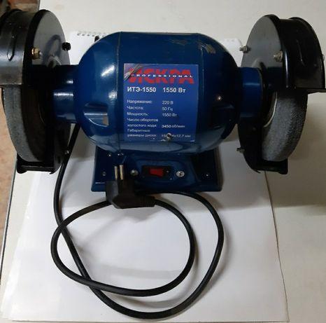 Электроточило Искра ИТЭ-1550