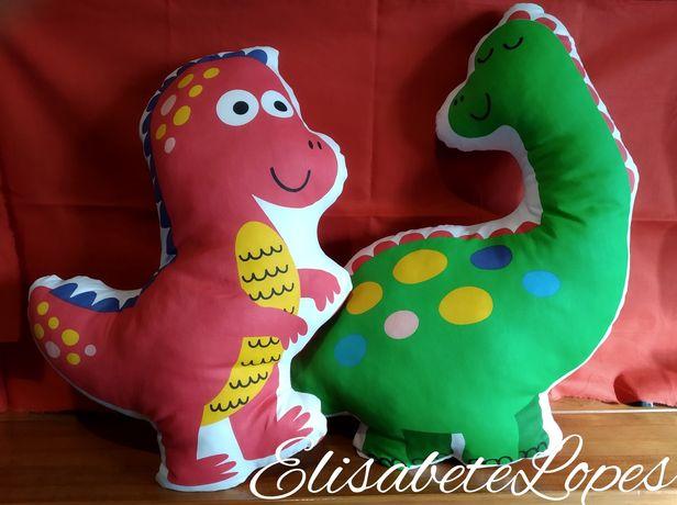 Almofada dinossauro