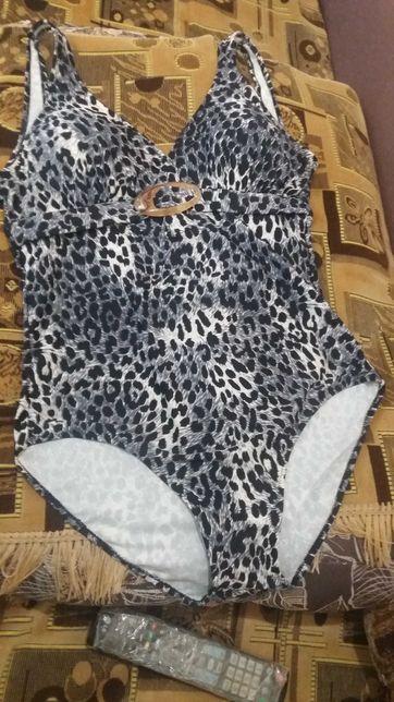 Продам модельный купальник
