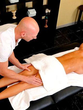 Расслабляющий массаж для женщин, фут массаж