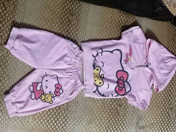 Клёвый костюм Hello Kitty
