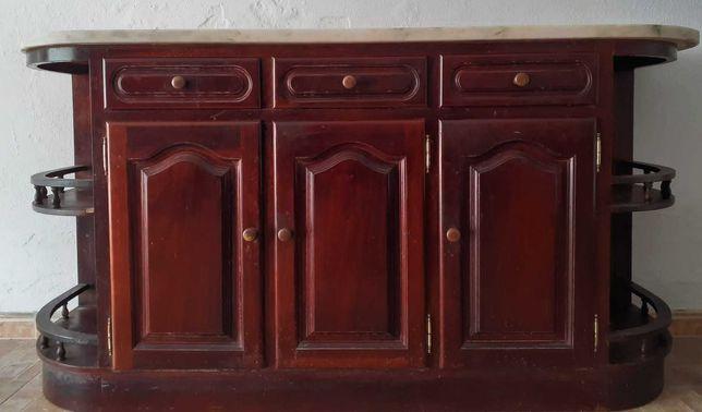 Conjunto de Móveis de cozinha em madeira de castanho