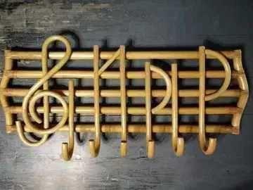 Wieszak dekoracyjny muzyka