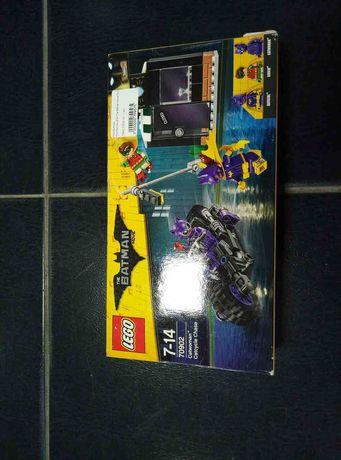 Конструктор LEGO The Batman Movie Погоня за Женщиной-кошкой 139 детале